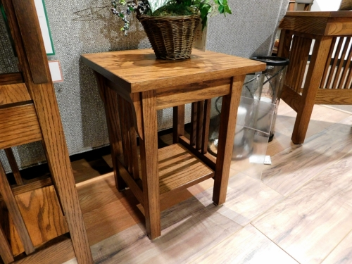 "18"" Mission Plant Stand"