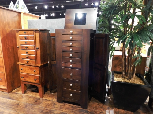 Barrs Mills Jewelry Armoire