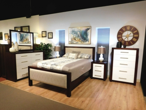 Lakewood Bedroom Collection