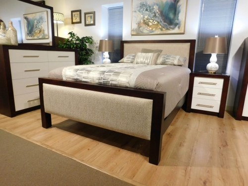 Lakewood Padded Bed