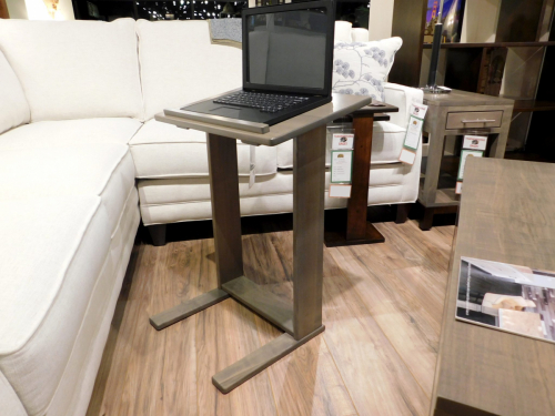 Laptop Sofa Server