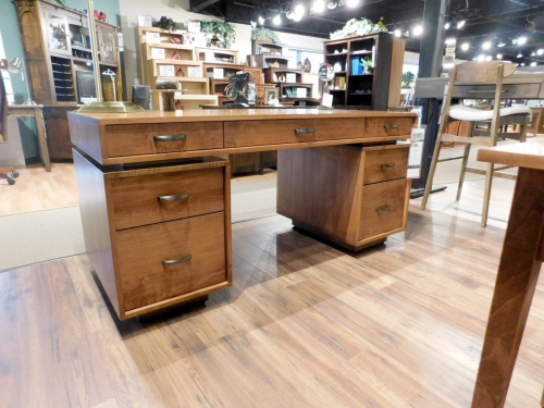 Port Washington Executive Desk
