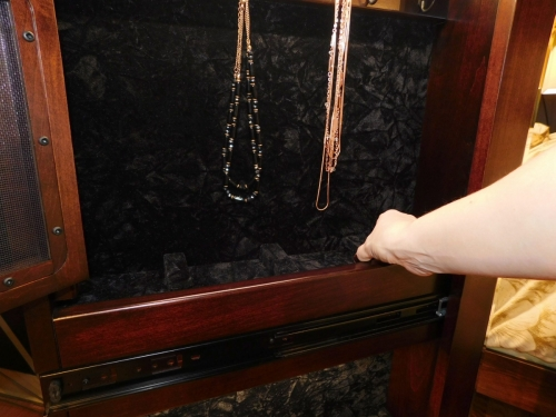 Shaker Leaner Jewelry Mirror - Hidden Storage