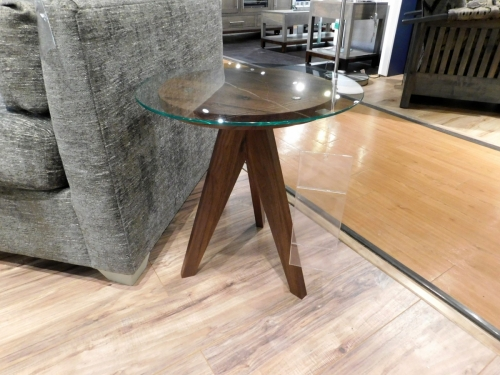 "West Bend 16"" Round End Table"